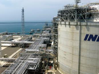 帝国石油(株)直江津LNG基地(新潟県)