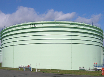 苫小牧東部石油備蓄原油タンク(北海道)